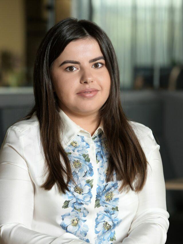 Daniela Aldescu_ Septembrie 2020 - Cut